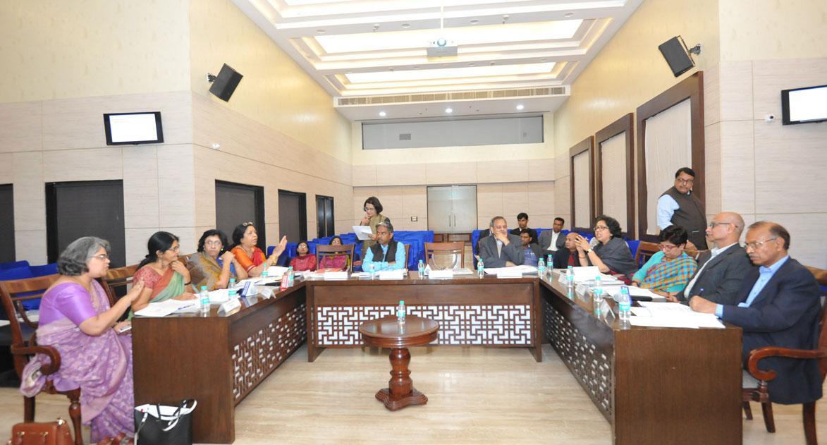 20 फरवरी, 2018 को आयोजित राष्ट्रीय महिला ... र्षिक साधारण (आम) सभा की 24 वीं बैठक