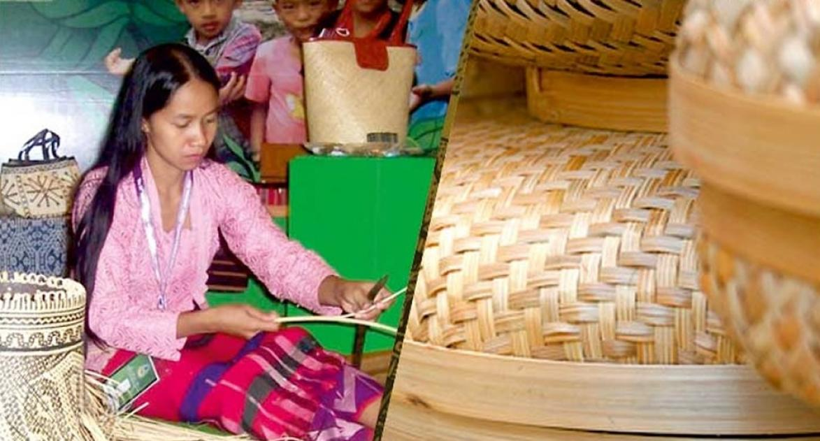 A women beneficiary from Nagaland State making bamboo basket - Banner Image